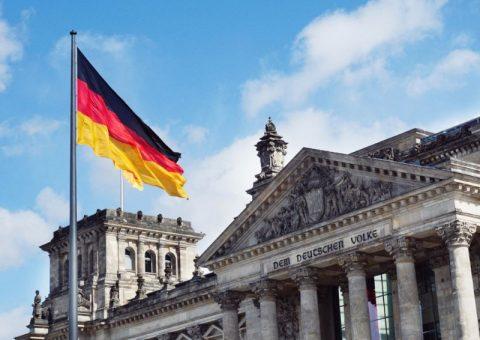 Bendera Jerman sebagai simbol pertandingan internasional mendatang.
